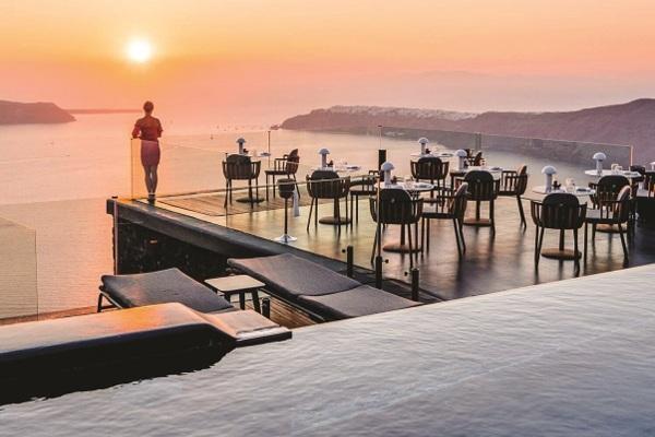 Grčki hotel koji uživa u najlepšem zalasku sunca