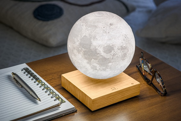 Pametna mesečeva lampa donosi kosmos u vašu sobu