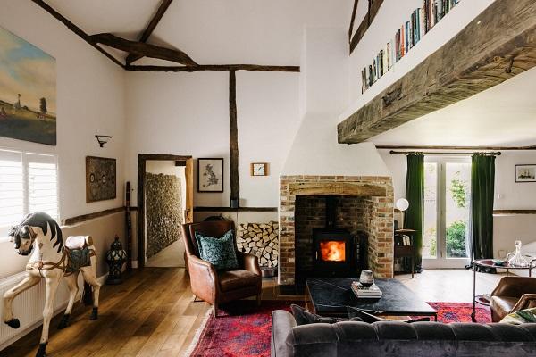 Ogromna štala iz 18. veka postala je moderan dom sa mnoštvom originalnih detalja