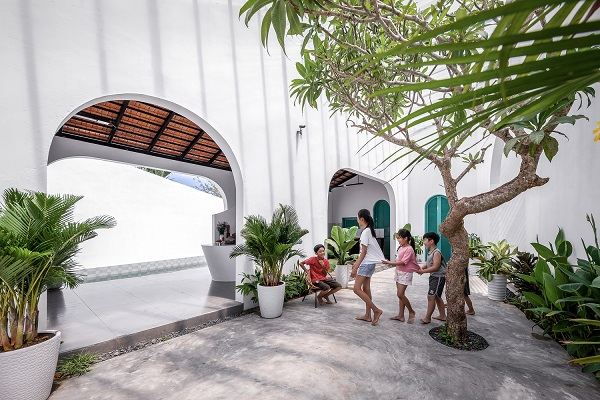 Povratak na selo omogućio dom stvoren za igru & zabavu