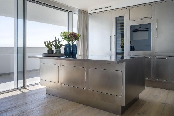 Novi modeli kuhinja od nerđajućeg čelika se savršeno uklapaju u svako okruženje
