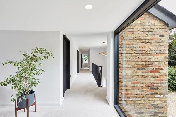 Dosadna kuća postaje moderno i originalno mesto za život