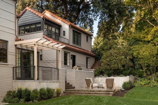 Dom inspirisan Meksikom & Španijom usred Sijetla