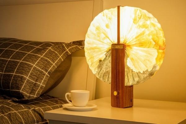 Papirna Origami lampa koju možete podešavati po želji
