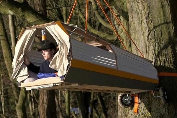 """Prenosiva """"kućica na drvetu"""" koja se kači za biciklo"""