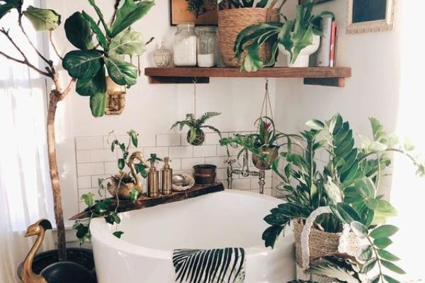 Jednostavni načini uvođenja letnje vibracije u kupatilski prostor