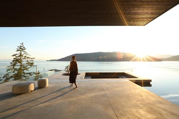 Moderan dom na neočekivanom mestu pruža raskošan pogled na okolinu
