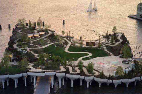 Impresivni park na vodi Little Island otvoren je u Njujorku