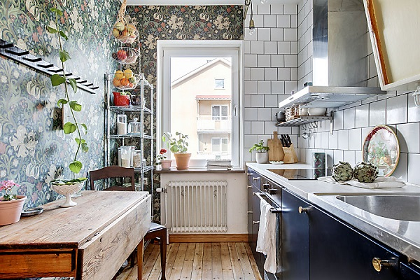 Mali stan ispunjen šarenilom tapeta na najneočekivanijim mestima