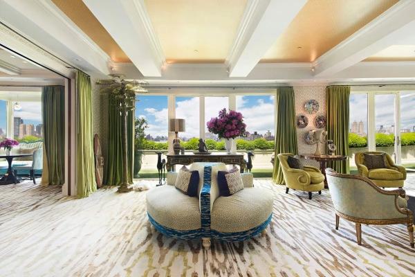 Zavirite u šareni enterijer raskošnog dupleks stana u Njujorku