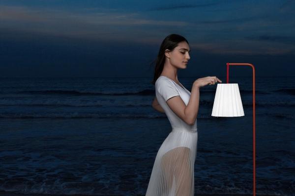 Kolekcija neobičnih fenjera i lampi koja svakom prostoru daje šik izgled